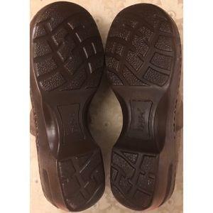 boc Shoes - Born BOC tan floral leather clogs.